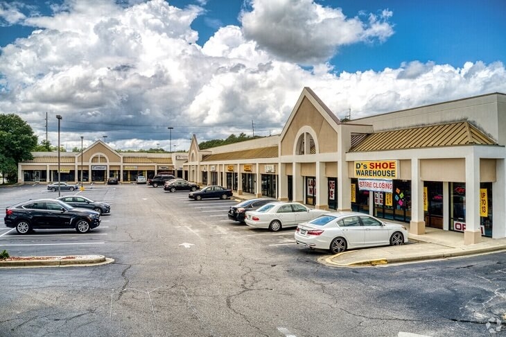 Excellent Visibility Retail for Lease